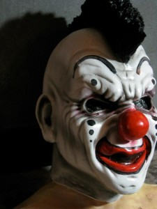 ralis-kahn-cusstom-clown-mask