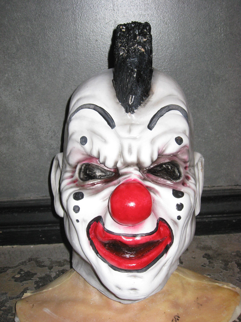 ralis-kahn-custom-clown-mask